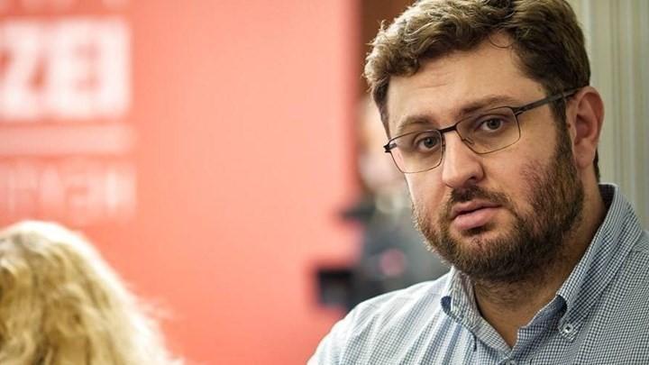 """Κώστας Ζαχαριάδης στο """"Π"""": Κι όμως είναι ακόμα εδώ… και πανδημία και κυβέρνηση"""
