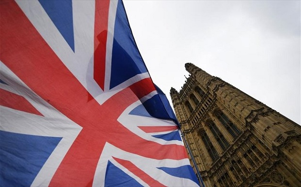 Μάκης Κουρής: Ζηλεύεις τη Βρετανία – Πήρε ό,τι ζητούσε, και με πολλά δώρα από πάνω