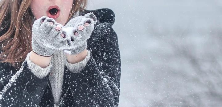 9 συμβουλές για να προστατεύσετε το δέρμα σας από το κρύο