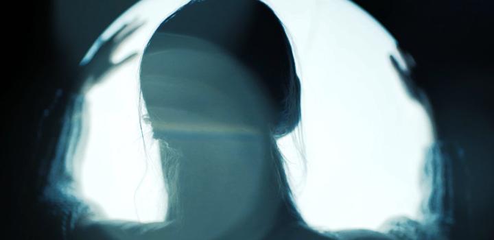 """ΛΕΥΚΗ ΣΥΜΦΩΝΙΑ: """"Εκεί Που Ο Άνεμος Ρωτάει Για Εσένα"""" – ΝΕΟ VIDEO & ΑΝΑΓΓΕΛΙΑ LIVE (Official Video)"""