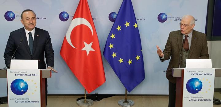 Οι διερευνητικές και η Πενταμερής για το Κυπριακό: Σχέδιο Γερμανών και Βρετανών για διάσωση της Τουρκίας