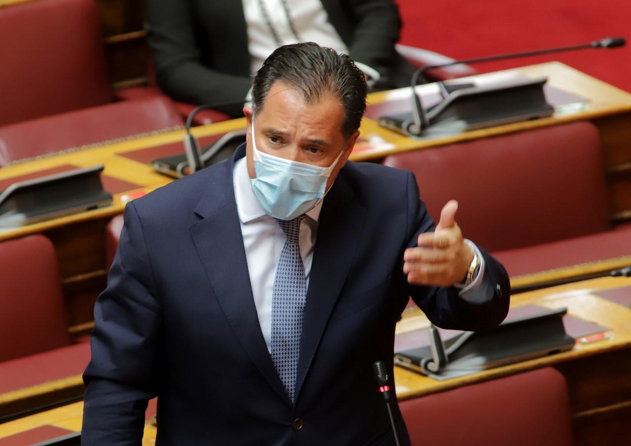 """Άδωνις Γεωργιάδης: """"Δεν μπορεί μια επιχείρηση να κινδυνεύει να κλείσει επειδή ένας υπάλληλος θέλει να ασκήσει το δήθεν δικαίωμά του να μην εμβολιαστεί"""""""