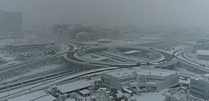 Μήδεια: Η χιονισμένη Αθήνα απο ψηλά…