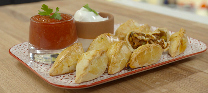 Ώρα για φαγητό με την Αργυρώ Μπαρμπαρίγου σε μία εβδομάδα με νοστιμιά και άρωμα – Δείτε όλες τις συνταγές