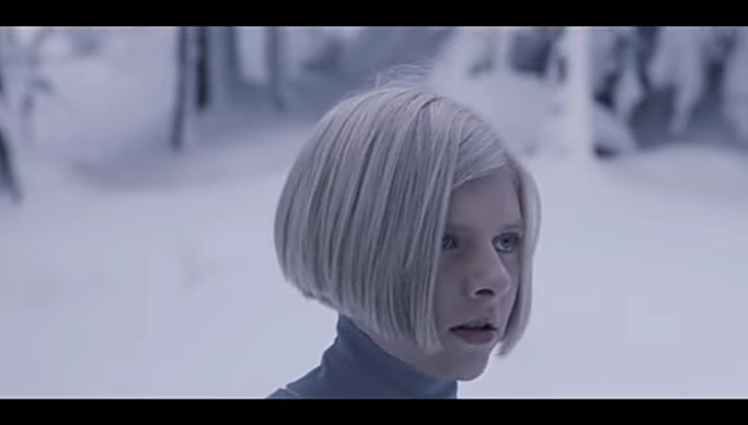 "AURORA: Το τραγούδι ""Runaway"" γίνεται viral παγκοσμίως!"