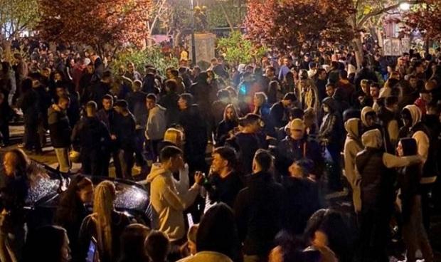 Τεράστιες οι ευθύνες των ειδικών για τη διασπορά από τα κορονοπάρτι