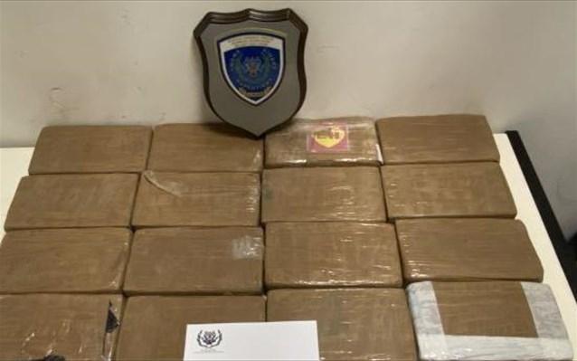 Λιμενικό: Πάνω από 22 κιλά κοκαΐνης βρέθηκαν μέσα σε φορτηγό στο λιμάνι της Πάτρας