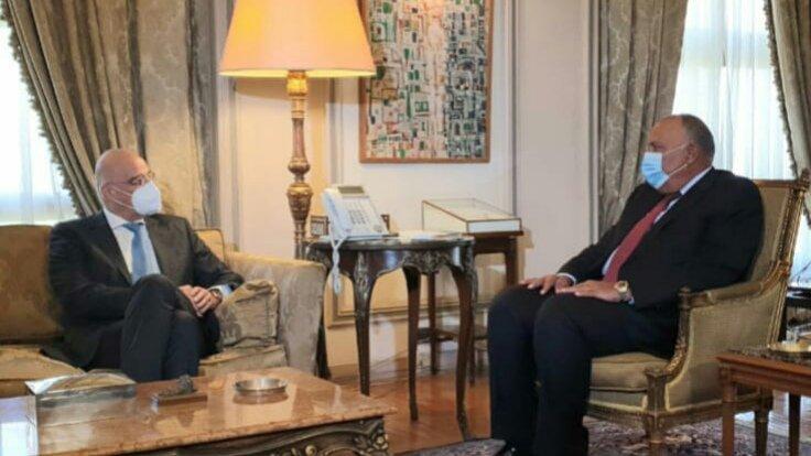 Συνάντηση Ν. Δένδια με τον Σ. Σούκρι στο Κάιρο – Στο επίκεντρο η διμερής συνεργασία & οι εξελίξεις στη Μ. Ανατολή