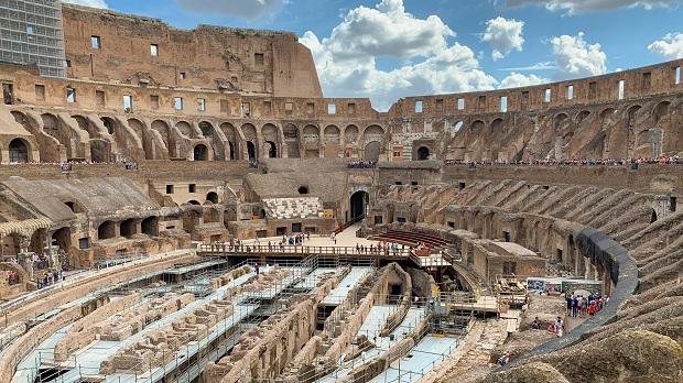 Το δάπεδο της αρένας του Κολοσσαίου της Ρώμης πρόκειται σύντομα να αποκατασταθεί