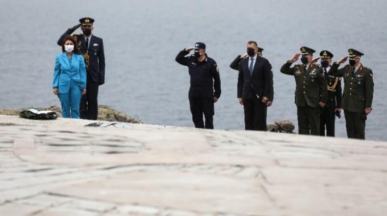 Η ΠτΔ από τον Αϊ Στράτη: Η χώρα μας θα βγει πιο δυνατή και ενωμένη και από αυτή την κρίση