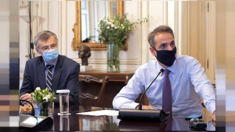 Καμπανάκι Μητσοτάκη – Τσιόδρα: Δεν έχουμε ξεμπερδέψει με την πανδημία – Ανησυχία για τα μεταλλαγμένα στελέχη