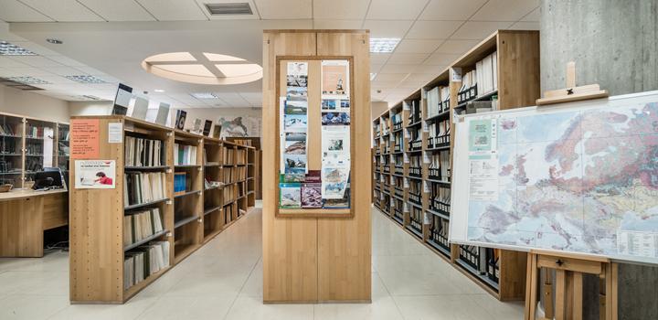 Ψηφιοποιείται η βιβλιοθήκη της ΕΑΓΜΕ