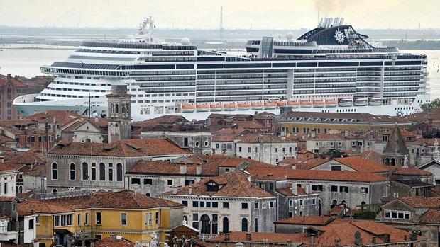 Τα κρουαζιερόπλοια υπό διωγμό στη Βενετία