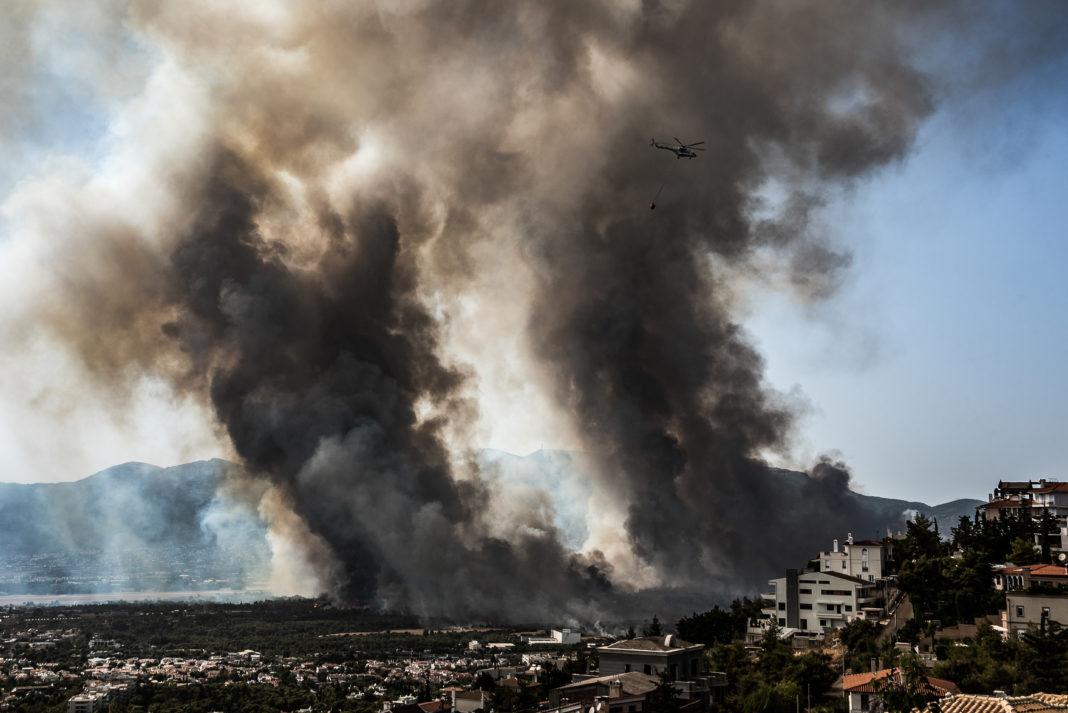 Εθνικό Αστεροσκοπείο για φωτιά στη Βαρυμπόμπη: Γι' αυτό πήρε μεγάλες διαστάσεις