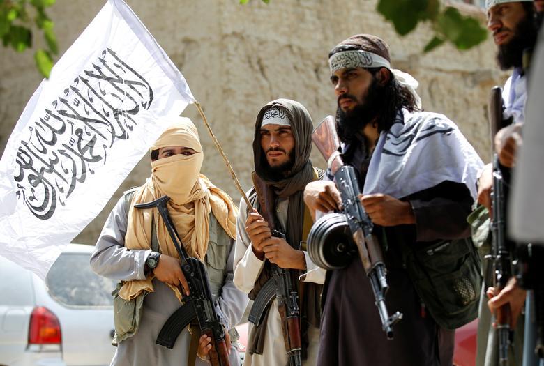 """Μη χάσετε το """"ΠΑΡΟΝ"""" πού κυκλοφορεί την Κυριακή! Τα πάνω-κάτω φέρνουν οι Ταλιμπάν"""