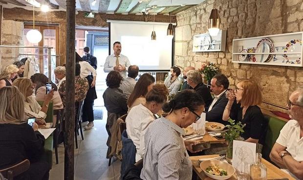 Γεύση… Γραβιέρας Νάξου Π.Ο.Π. και σαμιώτικων κρασιών στο Παρίσι!