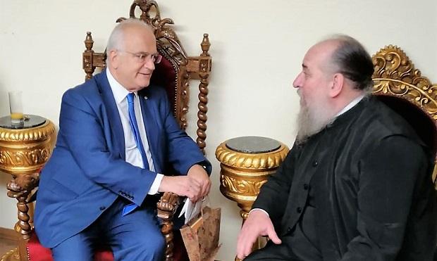 Μετάλλιο του Οικουμενικού Πατριάρχη, κ.κ. Βαρθολομαίου, στον Δήμαρχο Παλλήνης, Αθανάσιο Ζούτσο