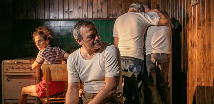 """ΘΕΑΤΡΟ ΣΤΗ ΣΤΕΓΗ: """"ΠΡΟΜΗΘΕΑΣ"""" σε σκηνοθεσία Νίκου Καραθάνου"""