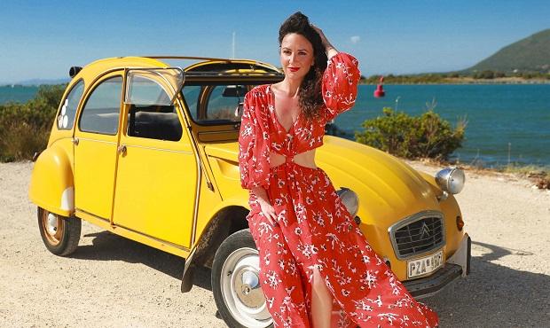 Η Λευκαδίτισσα Πάττυ Καλού τραγουδά για το αγαπημένο σε όλο τον κόσμο Ντεσεβό! (video)