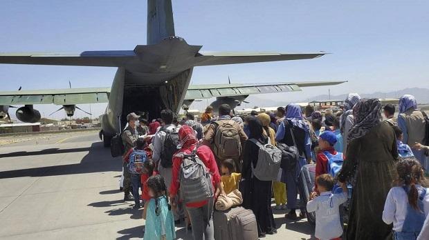 Γιατί εγκαταλείψαμε τους αφγανούς διερμηνείς στην Καμπούλ;