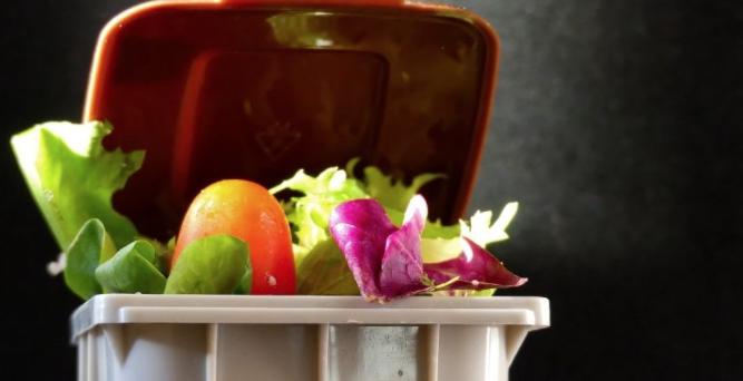 Σπατάλη τροφίμων: Μάθε ό,τι χρειάζεσαι για να την αποφύγεις (Ανάλυση)