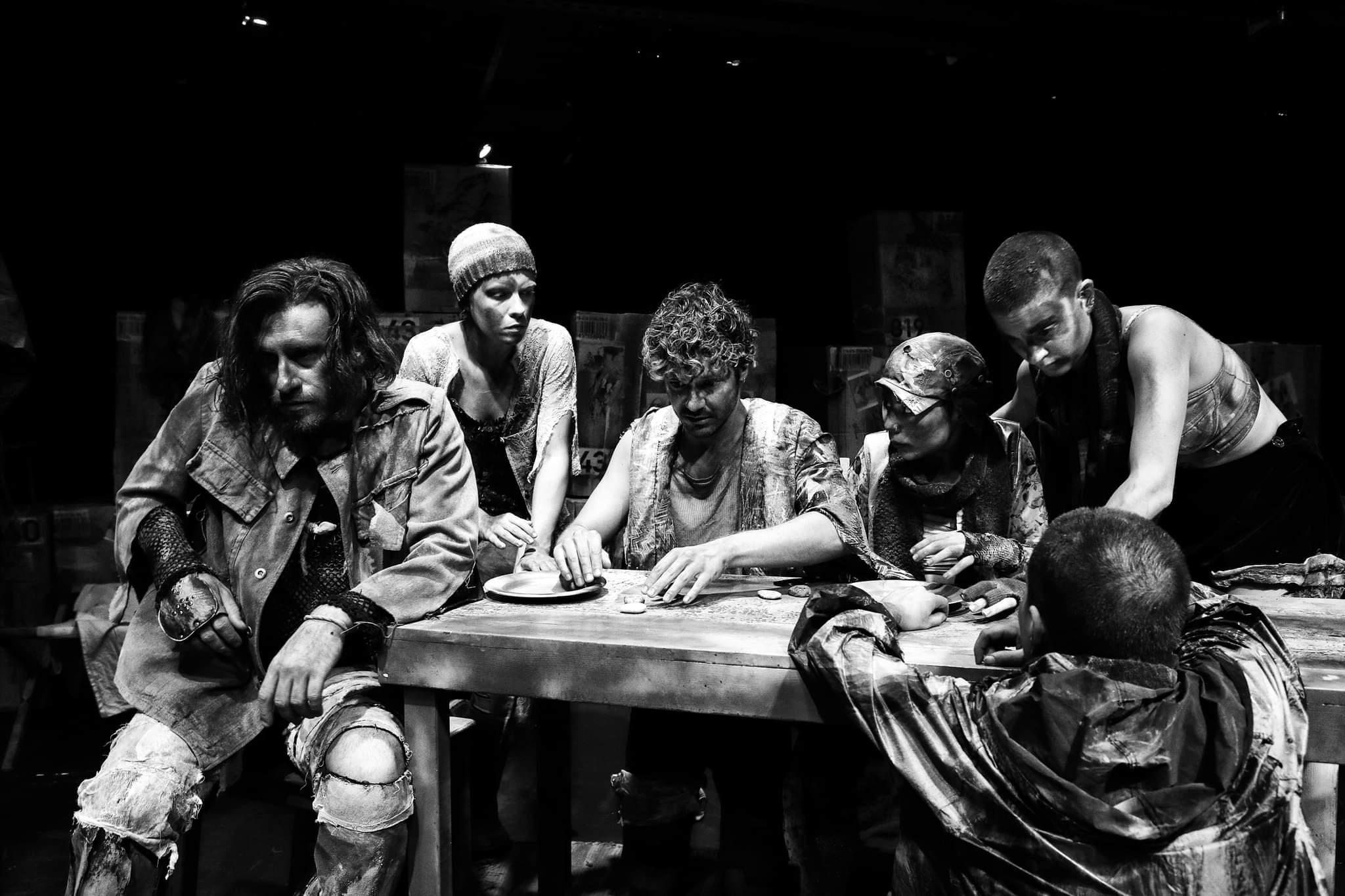 """Θέατρο RADAR: """"ΕΜΠΟΡΙΟ"""": Μη μένεις αμέτοχος σε μια άρρωστη πόλη"""