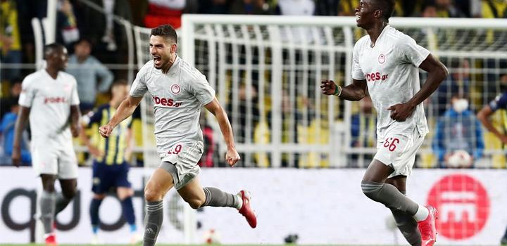 """Επιβλητικός στην Πόλη ο Ολυμπιακός, διέλυσε τους Τούρκους με 3-0 – """"Όργια"""" Μασούρα"""