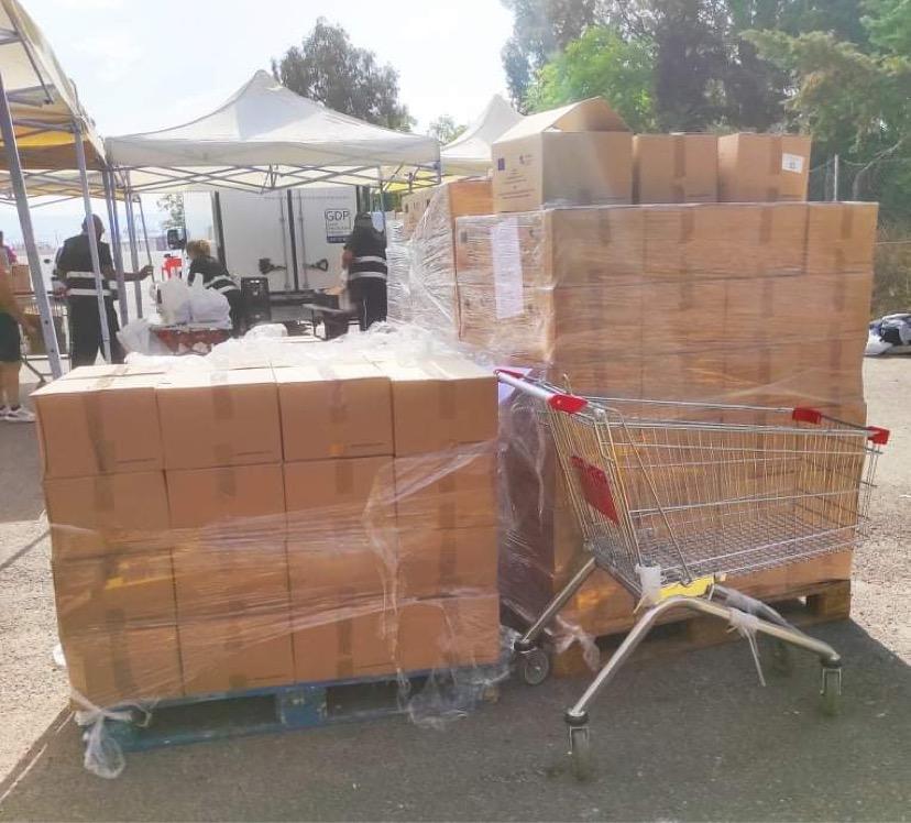 Δήμος Περάματος: Με απόλυτη επιτυχία ολοκληρώθηκε η διανομή τροφίμων και προϊόντων στους δικαιούχους του ΤΕΒΑ και του Κοινωνικού Παντοπωλείου