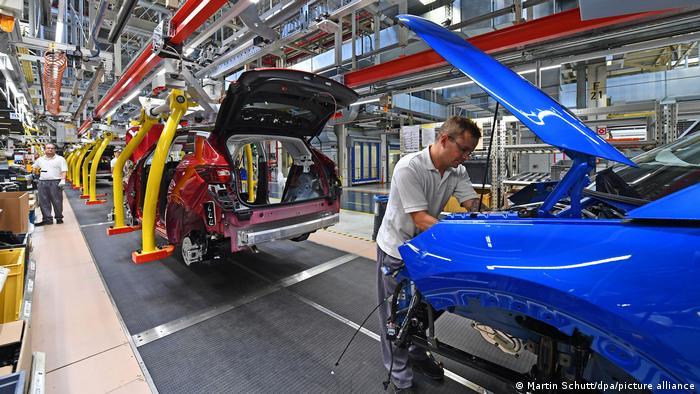 Προσωρινό λουκέτο σε εργοστάσιο της Opel στη Γερμανία – Προβλήματα και σε VW και Ford
