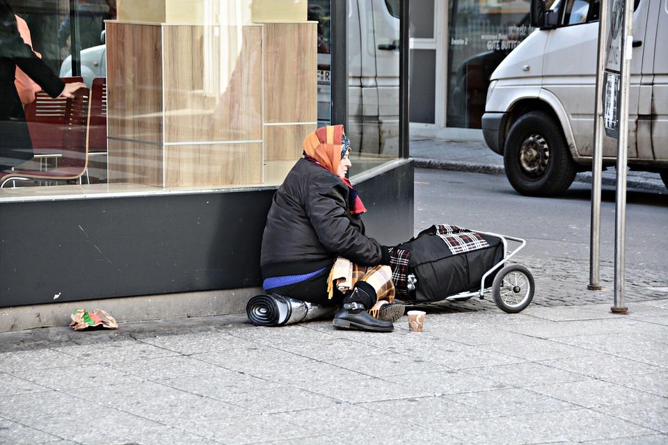 Στη φτώχεια το 27,5% των Ελλήνων!